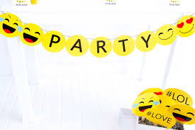 free printable photo booth props template emoji emoji birthday emoji free printables