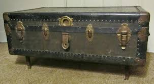 steamer trunk side table vintage trunk coffee tables trunk style coffee table old trunk