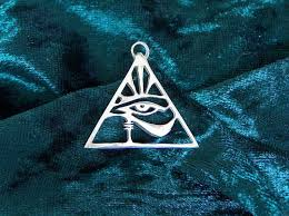 eye of horus pyramid by atlame on deviantart