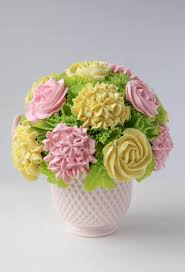 cupcake flowers cupcake bouquet in 5 steps an easy tutorial