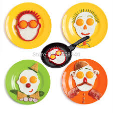 Funny Kitchen Gadgets 1 Pcs Head Shaped Silicone Omelet Creative Clown Head Silicone Egg