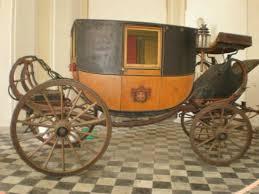 carrozze d epoca la carrozza d epoca all entrata palazzo foto di museo di