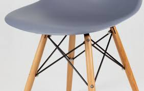 chaise eames grise chaise eames gris ardoise en bois inspirée du style eiffel