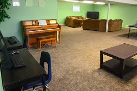 Crest Office Furniture Royal Crest Apartments Byu I Approved Housing For Women