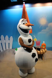 disney news olaf will debut at macy s thanksgiving day parade 2017