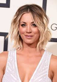 big bang pennys hair cut kaley cuoco hair evolution see how she grew out her pixie glamour