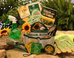 garden gift basket gardening gift basket gift baskets for gardeners gardeners