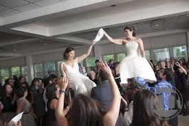 Jewish Wedding Chair Dance 10 Gorgeous Lgbt Jewish Weddings In Honor Of National Pride Month