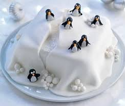 Make Christmas Cake Decorations Out Icing by Best 25 Christmas Cake Decorations Ideas On Pinterest Christmas