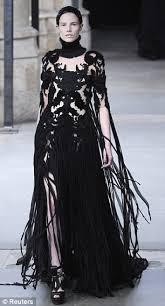 Alexander Mcqueen Wedding Dresses Afficher L U0027image D U0027origine Halloween Pinterest Gothic