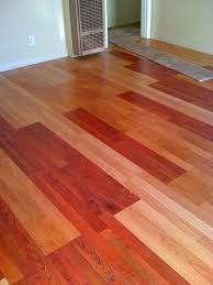 Choosing Laminate Flooring Color Hardwood Laminate Flooring Wood Bathroom Idolza