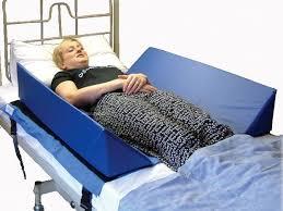 cuscino per leggere a letto cuscini laterali per letto ausili per l autonomia ausili per