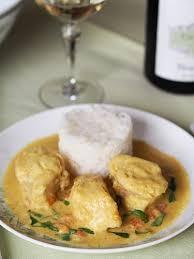 cuisiner la lotte au curry au curry et au lait de coco