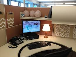 Bay Decoration Themes In Office For New Year by 20 Cubicle Decor Ideas To Make Your Office Style Work As Hard As