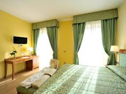 hotel avec bain a remous dans la chambre chambre de luxe avec bain à remous hôtel miramonti bergame