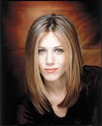 rachel haircut pictures 20 iconic friends hairstyles rachel monica phoebe hair