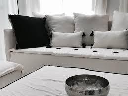 coussin canapé sur mesure canapé sur mesure lavé blanc mila avec coussin lavé noir