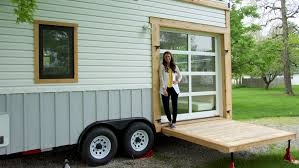 episode 4 tiny houses for rent talking tiny with chicago bob
