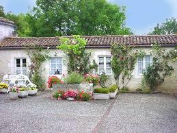 chambre d hote 16 gîte chambres et tables d hôtes gîtes terre de vignes à