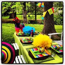 Mexican Themed Decorations Throw A Last Minute Cinco De Mayo Party And Not Be A Caliente Mess