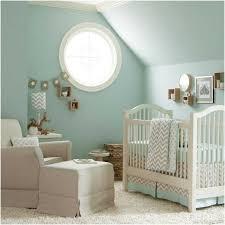 babyzimmer weiß grau wandfarbe mintgruen babyzimmer weiss grau sessel hocker