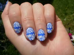 nail design blue and white nail arts