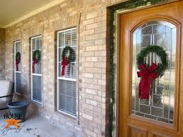 2 outdoor wreaths tutorial
