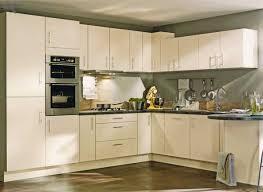 cream kitchen designs cream kitchen cream matt kitchen violet designs 실내 디자인