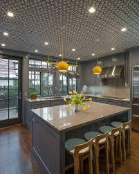 cuisine jaune et grise idée déco cuisine une déco cuisine moderne en jaune et gris