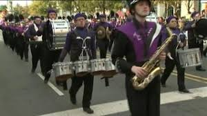 thousands attend s thanksgiving day parade in uptown wsoc tv