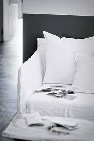 canapé ghost navone tendance le canapé ghost par navone linens white sofas