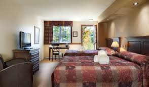 chambre a deux lits chambre confort à deux lits auberge du lac morency