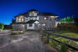 Houses With 4 Bedrooms 18681 Mcquarrie Road North Meadows Pi Pitt Meadows V3y1z1