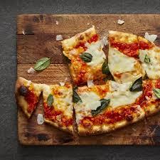 cuisiner une pizza pâte à pizza recette facile comment faire une pate a pizza maison