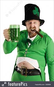 picture of leprechaun hoisting a green beer