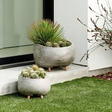 modern wood leg planter round house pinterest modern