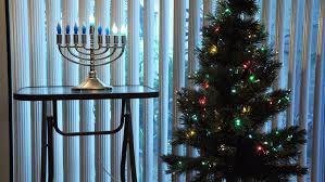 Christmas Decoration For Rent by Decorating For Chrismukkah Rent Com Blog