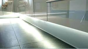 eclairage meuble de cuisine led pour cuisine plan travail ruban spots bande