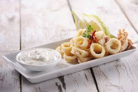 cuisiner les calamars recette calamars frits très croustillants et aïoli