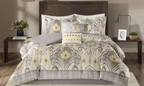 Queen Comforter On King Bed Tips On Buying A Queen Comforter Set Overstock Com