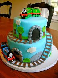 how to make a thomas the train birthday cake best 25 thomas cakes