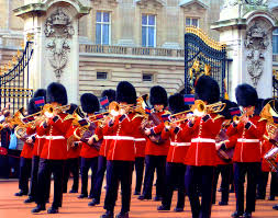london fun facts and places to visit buckingham palace