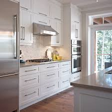 armoir cuisine cuisines beauregard cuisine réalisation 284 armoires de style