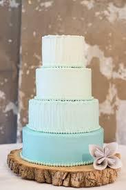 wedding cakes des moines crème cupcake dessert wedding cake des moines ia weddingwire
