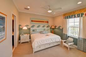 chambre surf design interieur deco chambre enfant theme surf grand lit