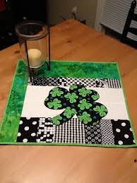 st patrick s day table runner st patrick s day quilt patterns st patrick s table runner st