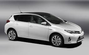 toyota launching new auris at paris should it replace the matrix