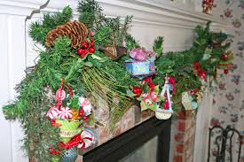 Christmas Garland Decorating Ideas by Decorating U0026 Accessories Cute Christmas Garland Wreaths And