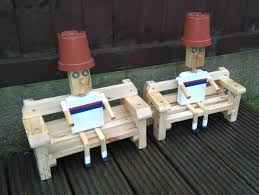 how to build a flower pot garden ornament out of a pallet