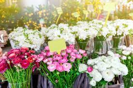 beautiful flower arrangements gift flower beautiful flower arrangements tips for season